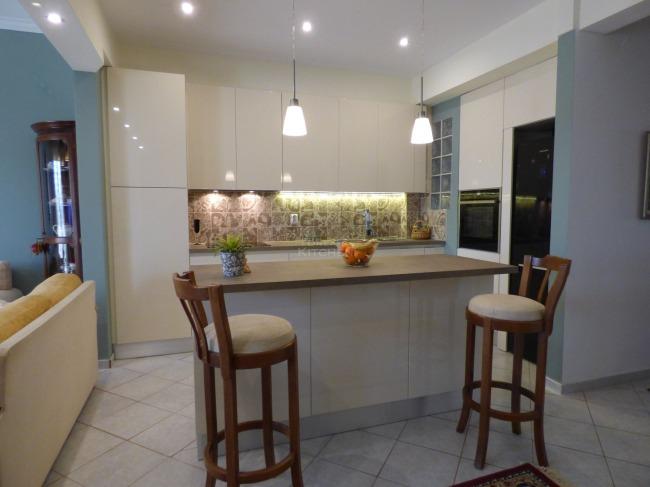 Ανακαίνιση Κουζίνας στην Ηλιούπολη 5400€