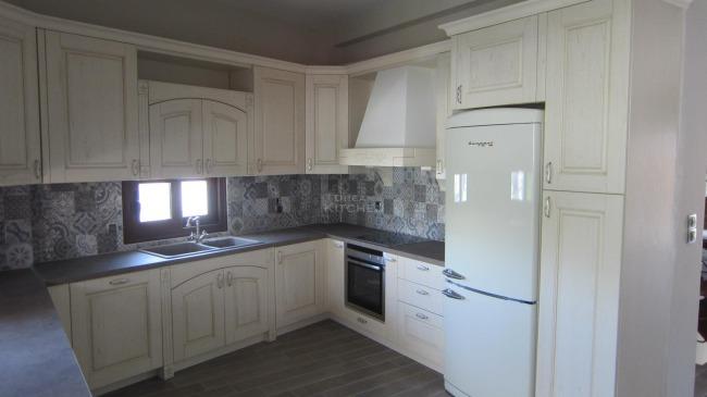 Πλήρης επίπλωση κατοικίας στην Μαλεσίνα 27.900€