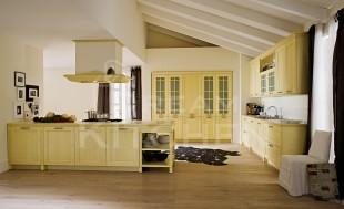 κιτρινη κουζινα κλασσικη