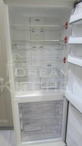 Εσωτερικός χώρος και λεπτομέρειες Bompani Ψυγείο retro 70