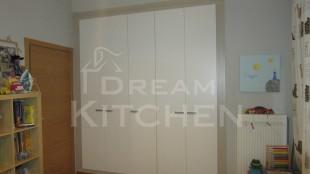 ανοιγόμενη ντουλάπα με 5 πόρτες