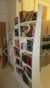 διαχωριστικό χώρου για διακοσμητικά και βιβλία