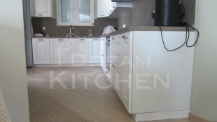 κουζίνα μασίφ Olivia σε λευκό χρώμα