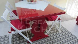 μοναστηριακό τραπέζι κόκκινο