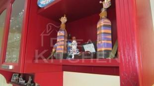 μπουαζερί με ράφια για διακοσμητικά