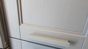 Κουζίνα Ημιμασίφ Ξύλο τεχνοτροπίας yellowpine σε χρωματισμό Aquamarina