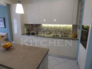 Κουζινα σε γυαλιστερο βακελιτη πολυμερικο 11