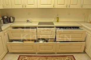 Επιπλα κουζινας Μασιφ 18