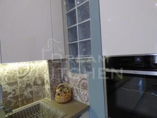 Κουζινα σε γυαλιστερο βακελιτη πολυμερικο 20