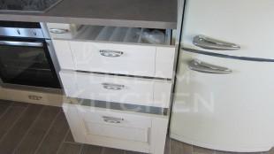 Πλήρης επίπλωση κατοικίας κουζινα μασιφ 26
