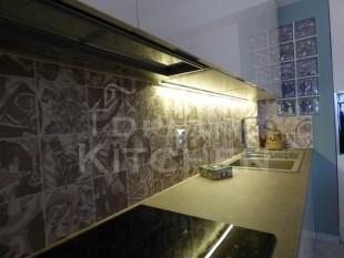 Κουζινα σε γυαλιστερο βακελιτη πολυμερικο 26