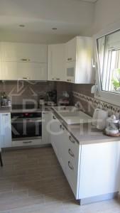 Κουζινα Πολυμερικο σε λευκο χρωματισμο 2