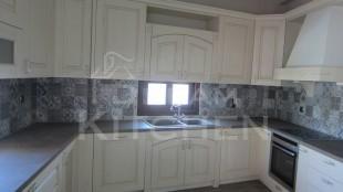 Πλήρης επίπλωση κατοικίας κουζινα μασιφ 53