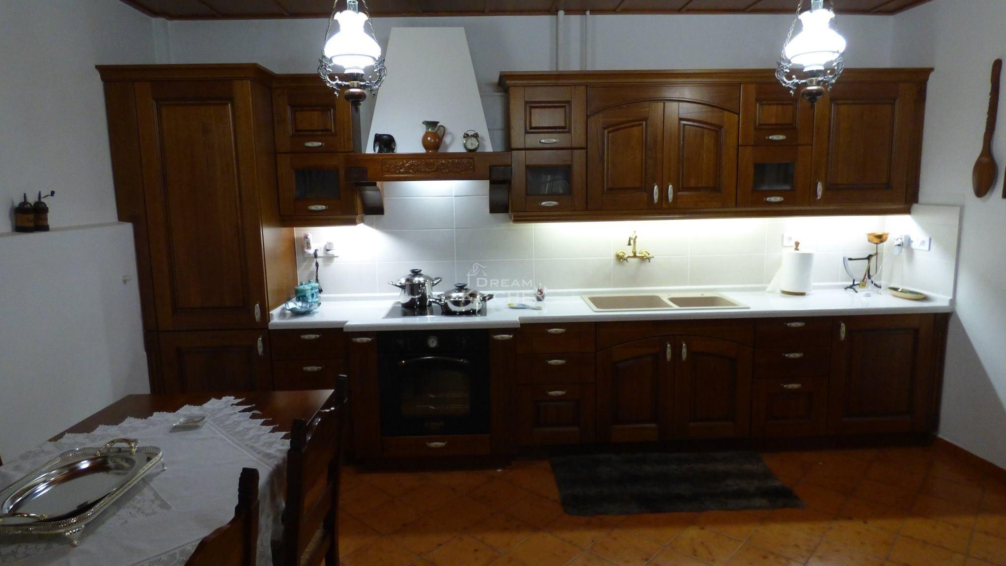Επιπλα Κουζινας μασίφ Olivia Castagno 1