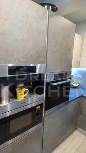 Επίπλα κουζίνας HPL Cemento με παγκο Fenix 17