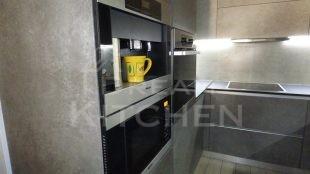 Επίπλα κουζίνας HPL Cemento με παγκο Fenix 8