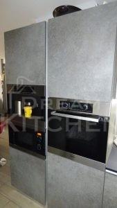 Επίπλα κουζίνας HPL Cemento με παγκο Fenix 9