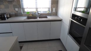 Επιπλα Κουζινας Βακελιτη με υφή τσιμέντου 2
